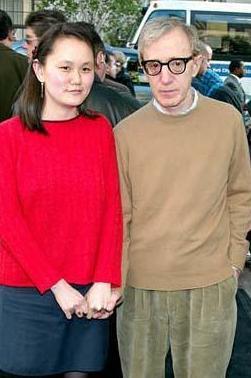 EN ŞAŞIRTAN AŞK ÖYKÜSÜ  Woody Alen 1935 evlatlığıyken sonradan evlendiği eşi Soon Yi 1970 doğumlu.