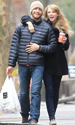 Bambaşka dünyaların insanı olarak görülen çiftin hayranları bu birlikteliğe fazla şans vermedi. Ve sonunda onlar haklı çıktı. Gyllenhaal ve Swift bir kaç ay sonra ayrıldı.  (Hürriyet)