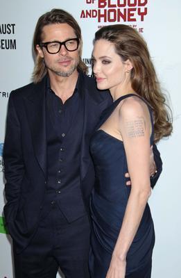 KOMŞULARI BIKTIRDILAR Angelina Jolie ve Brad Pitt dünyanın en gözde çifti belki ama iddilara göre komşuları onlardan çoktan bıktı.