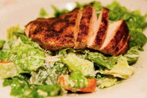 5. Kalp dostu  Derisiz tavuk eti, kolesterolü yüksek olanlar ve kalp- damar hastaları için tüketimi tavsiye edilen en ideal et türü.