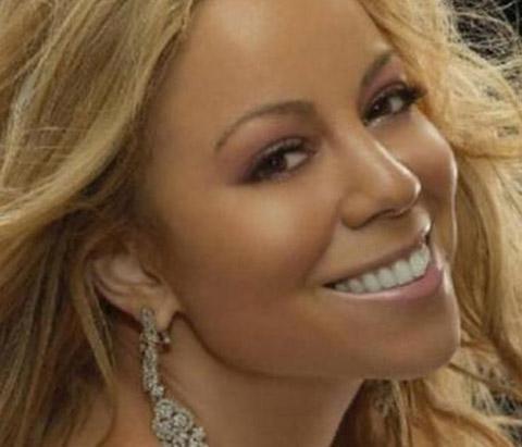YERLERİ SÜPÜRÜYORDU Mariah Carey bugün sadece bacaklarını sigortalattırmak için milyonlarca dolar harcayan bir ünlü..
