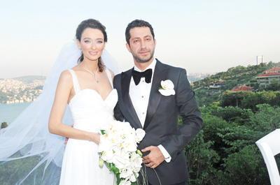 Ünlü manken Pınar Tezcan evlendiğinde 3 buçuk aylık hamileydi.