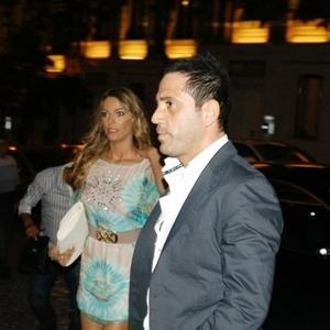 Manken Simge Tertemiz de eşi Murat Kadıoğlu ile evlendiğinde4 buçuk aylık hamileydi.