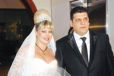 Yeliz Yeşilmen de evlenirken hamileydi.