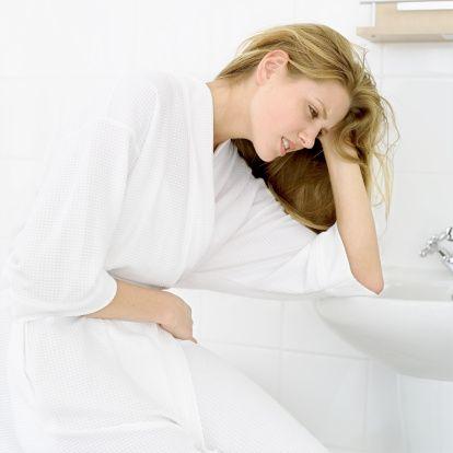 Hastalansanız da çevrenizdekilerin sağlığını düşünün. Hasta kişilerin de hastalığı bulaştırmamak için daha dikkatli olmaları gerekmektedir. Mümkünse evlerinde istirahat etmeleri okula, işlerine gitmeyerek yakın ve uzak çevrelerini korumaları mümkün olabilir. Öksürürken, hapşırırken mendil kullanmaları, ellerini sık sık sıcak su ve sabun ile yıkamaları ve maske kullanmaları önerilebilir.