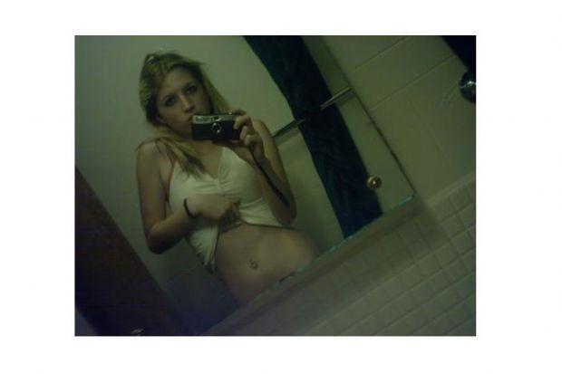 Aynaya bakmayı seven kızlar - 59