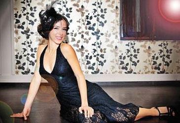 Ceren Olcay, ünlü yıldız Zuhal Olcay'ın Zafer Olcay ile olan evliliğinden dünyaya gelen kızı.