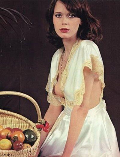 1952 yılında Hollanda'nın Utrecht kentinde dünyaya gelen Kristel, aynı zamanda şarkıcı ve manken... Henüz 17 yaşındayken modellik kariyerine başlayan Kristel 1973 yılında Avrupa TV Güzeli yarışmasına katıldı ve birinci oldu.