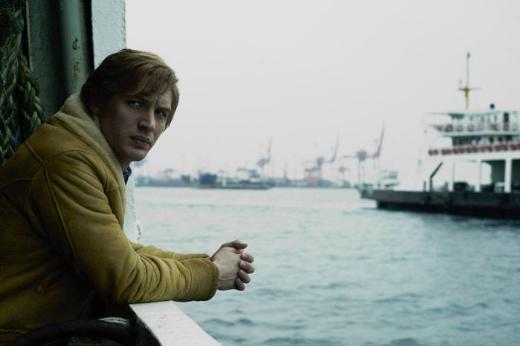 Tom Hardy  Christopher Nolan'ın Inception adlı filmiyle dikkat çeken Hardy, şu sıralar rol aldığı ve bazı bölümleri İstanbul'da geçen Köstebek filmiyle gündemde. Hardy, İngiliz.