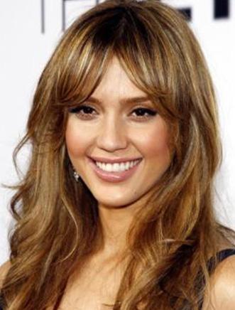Jessica Alba  Meksikalı bir baba ile Fransız ve Danimarka melezi bir annenin kızı.