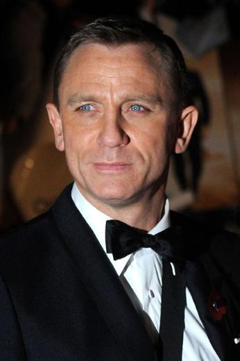 Daniel Craig Sinemanın sarışın James Bond'u İngiliz.