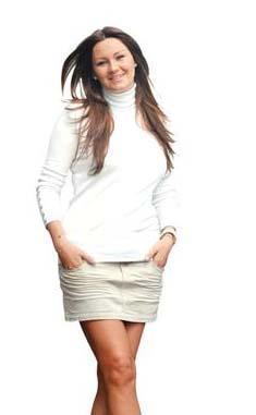 1994'te Türkiye Güzeli seçilen Pınar Altuğ doğumdan sonra çekilen ilk fotoğraflarında da son derece formda görünüyordu.