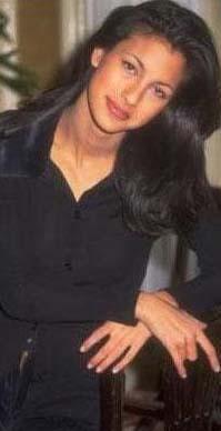 1990'lı yılların sonlarında Türkiye Güzeli seçilen Şıkel, o zamanlar daha çocuk yaştaydı.