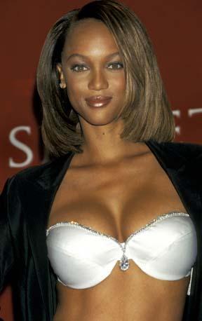 TYRA KİLO KONUSUNDA DAHA ÖZGÜR Tyra Banks'ın gençlik yıllarından.