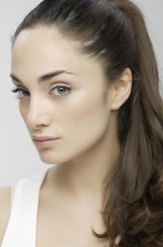 Dizide; Longhi'nin oynadığı Eva'nın kardeşini canlandıracak.