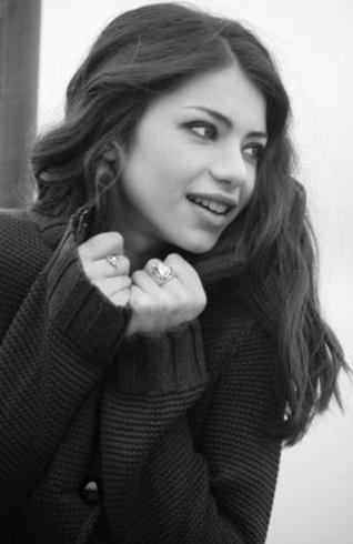 Longhi, dizide Moldova'dan Türkiye'ye kaçırılan Eva karakterini canlandıracak.