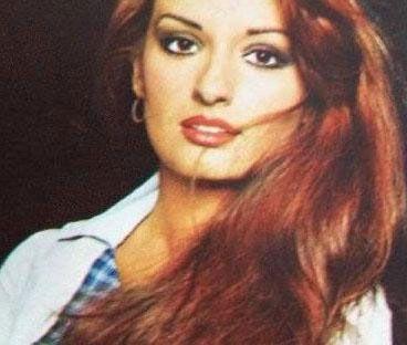 """Türk televizyonlarının ilk yerli dizisi Aşk-ı Memnu'daki """"Bihter"""" rolu ile şöhret oldu."""