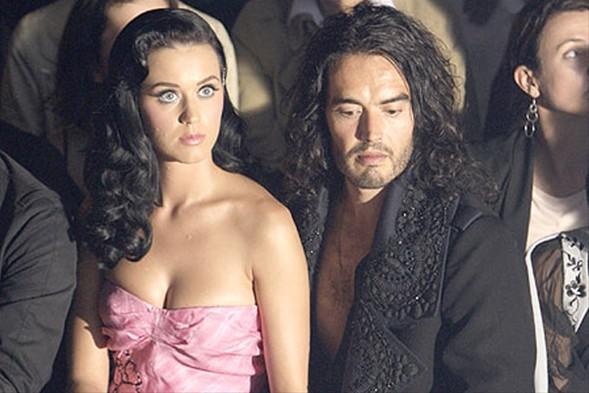 İngiliz Daily Mirror Gazetesi'nde yayımlanan habere göre, 14 aylık evliliklerini anlaşamadıkları için bitirme kararı aldıklarını açıklayan Brand'in çocuk sahibi olup gerçek bir aile olma isteğine Katy Perry karşı çıktı ve ikilinin arası açıldı.