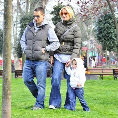 Bebek'ten taşındılar  Pınar Altuğ, Bebek semtinin müdavimlerindendi.