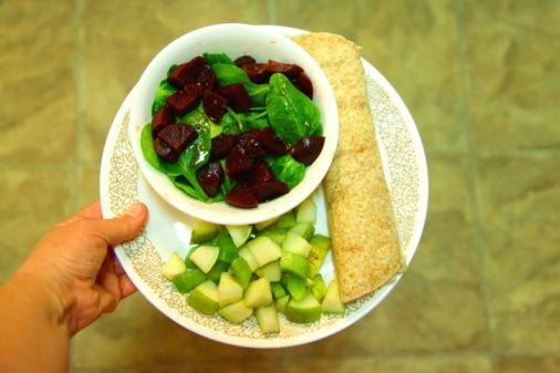 Ispanak ve pancar:   Ispanakta bulunan demir; pancar, biber gibi yiyeceklerdeki C vitaminiyle birleştiğinde bağırsaklarda daha iyi emiliyor.
