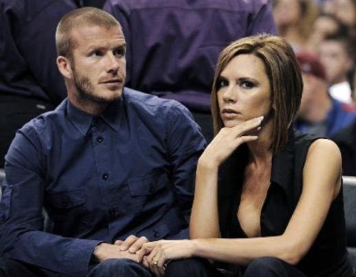 Victoria Beckham, neredeyse hiç gülmüyor. Bu artık onun imajı. Onun yerine gülümseme görevini David Beckham yerine getiriyor.