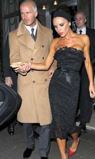 Beckham çifti bu halleriyle birbirlerine aşık ama çok zengin ve ulaşılmaz bir görüntü çiziyor bazı hayranlarına göre.  Kaynak: Hürriyet