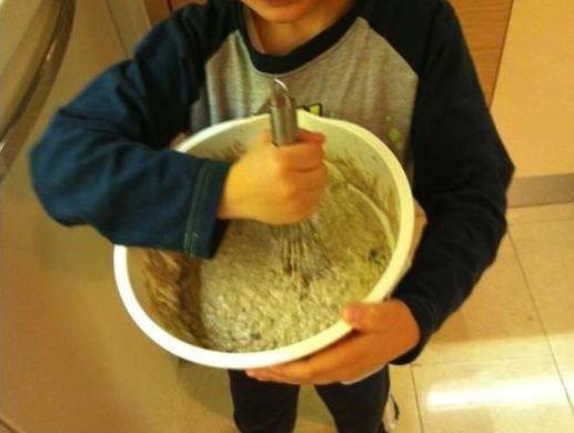 Bu da Ergen'in çocuklarıyla mutfakta ekmek yaparken çekip paylaştığı kare.