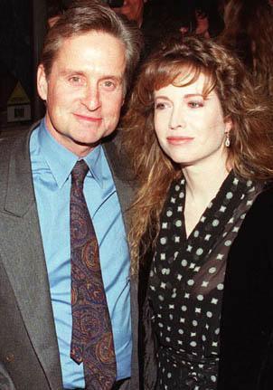 Michael Douglas ilk evliliğini 34 yaşındayken Diandra Douglas ile yaptı.