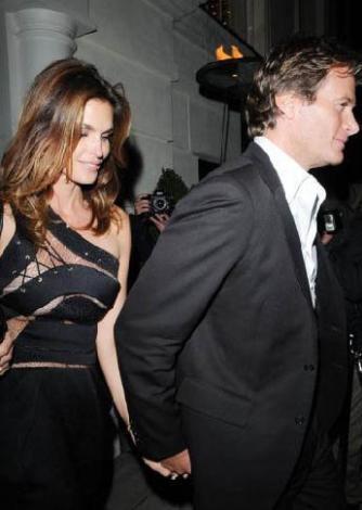 Gere ikinci evliliğini Carey Lowell ile 2002 yılında yaptı.