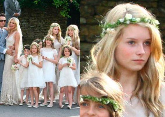 Lottie Moss da moda dünyasının yaşayan ikonalarından biri kabul edilen Kate Moss'un üvey kardeşi.