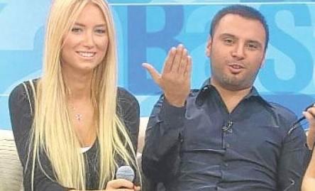 Ünlüler bakın yıllar içinde nasıl değişti.  Birlikte katıldıkları bir televizyon programında Alişan'ın sevgilisi olarak tanınan Seda Önder'in bir estetik harikası olduğu ortaya çıktı.
