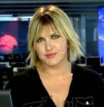 Arkadan gelen sese dayanamadı   Kanal D'de öğle haberlerini sunan Şule Zeybek de çok konuşulan bir olaya imza attı.