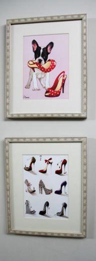 Ünlü oyuncunun giyinme odası ABD'den aldığı bu resimlerle süslü.