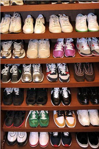 """Terim, ayakkabı konusunda """"hem rahatlık hem şıklık"""" diyenlerden.  Kaynak: Milliyet.com.tr"""
