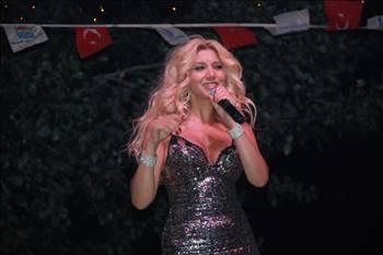 Zeynep Mansur  Eurovision sarkisini ben hicc begenmedim??