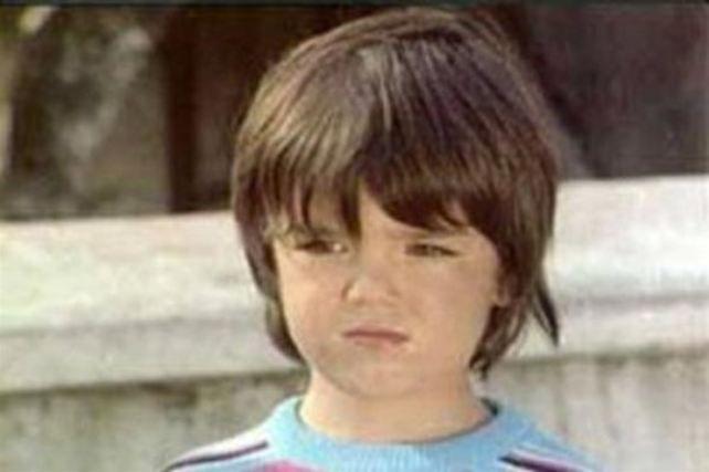 Dönemin ünlü film yapımcılarından Berker İnanoğlu'nun oğlu olan Sezer İnanoğlu, 'Sezercik' adıyla yıldız oldu.
