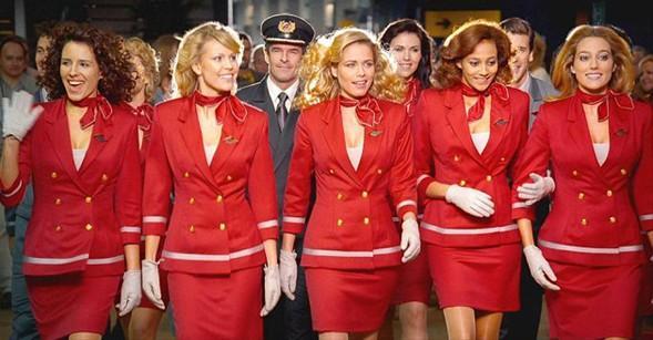 Business Travel Dergisi, 1000 okurunun katıldığı anketle dünyanın en güzel kabin memurlarına sahip olan havayolu şirketlerini belirledi.   Değerlendirmede kabin memurlarının yüz ve vücutlarından çok farklı tasarıma sahip üniformayı taşıması ve şirketin imajına katkısı değerlendirildi.   İngiliz Virgin Atlantic Havayolları'nın kabin memurları, yüzde 53 ile açık ara ilk sırada yer aldı.