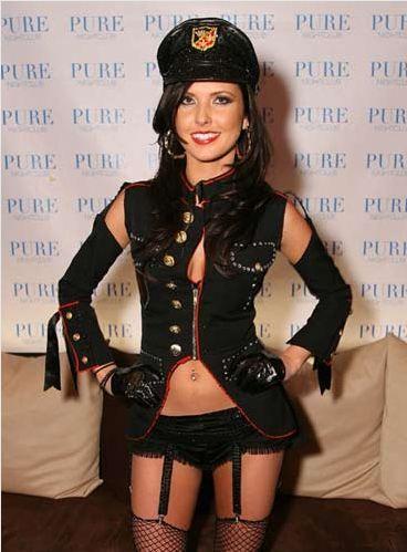 Saat için - 20.000 $   The Hills' dizisinin yıldızlarından Audrina Patridge, katıldığı partilerde bol bol dans ediyor.