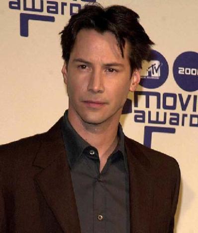 Keanu Reeves 2 Eylül 1964 doğumlu olan ünlü aktör başak burcu.