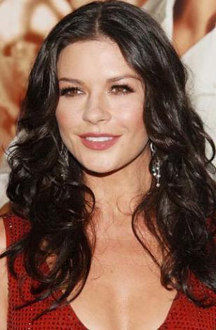 Catherine Zeta Jones 25 Eylül 1969 doğumlu. Ünlü yıydız terazi burcu.