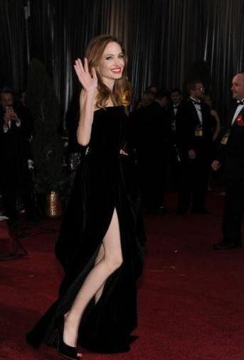Twitter'da Angelina Jolie'ing salgını başladı..