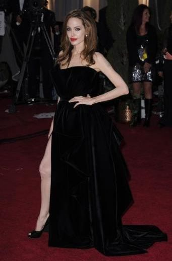 Angelina Jolie'nin tuhaf Oscar pozu.