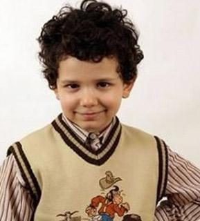 Şayhan, Canım Ailem'in ardından şimdi de Bitmeyen Şarkı'da rol alıyor. Ama o dizide de annesinden koparılıp alınmış bir çocuğu canlandırıyor.