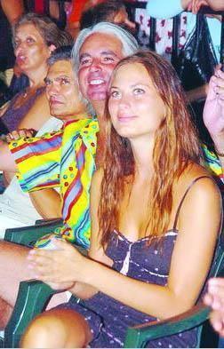 Rus güzeli Larissa ile bir evlilik yaşayan İlker Mengi boşandıktan sonra da Rus kadınlarıyla aşk yaşadı.