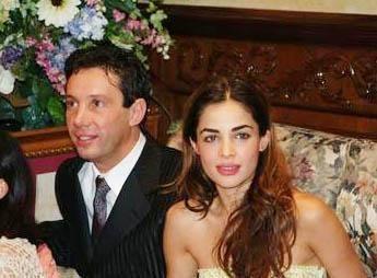 GÖRKEMLİ BİR DÜĞÜNLÜ EVLENMİŞTİ İşadamı Engin Yeşil de Hint asıllı Ayesha Thapar ile evlenmişti.