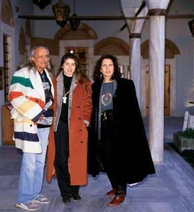 Arbaş, Kızılderili eşi Dehl Berti'den boşandı. Berti daha sonra kalp krizinden hayata veda etti.