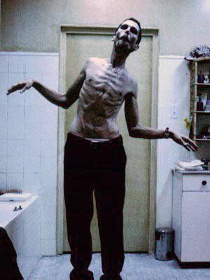 "Christian Bale, ""The Machinist"" adlı filmde."