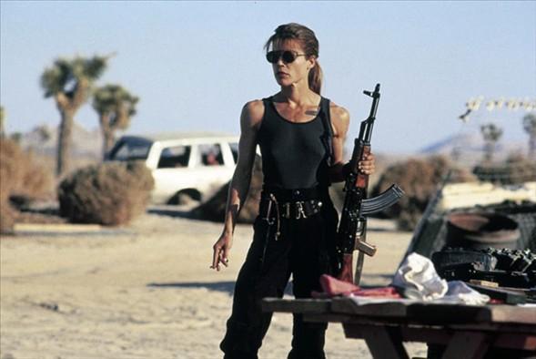 """Linda Hamilton, """"Terminator 2"""" adlı filmde."""