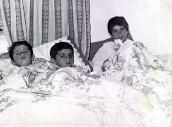 Yılmaz Erdoğan, Mustafa Erdoğan, Deniz Erdoğan.