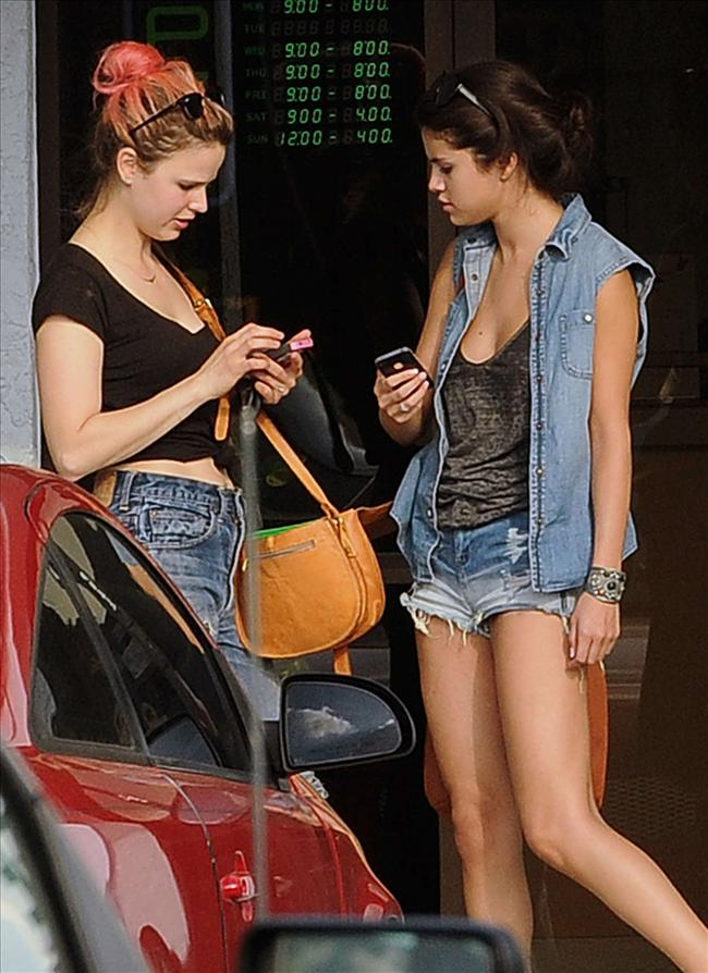 Selena sere serpe - 43